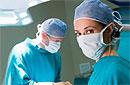Западные педиатры хотят уравнять детское обрезание и прививки