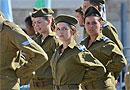 Каждая шестая женщина в армии подвергается сексуальным домогательствам